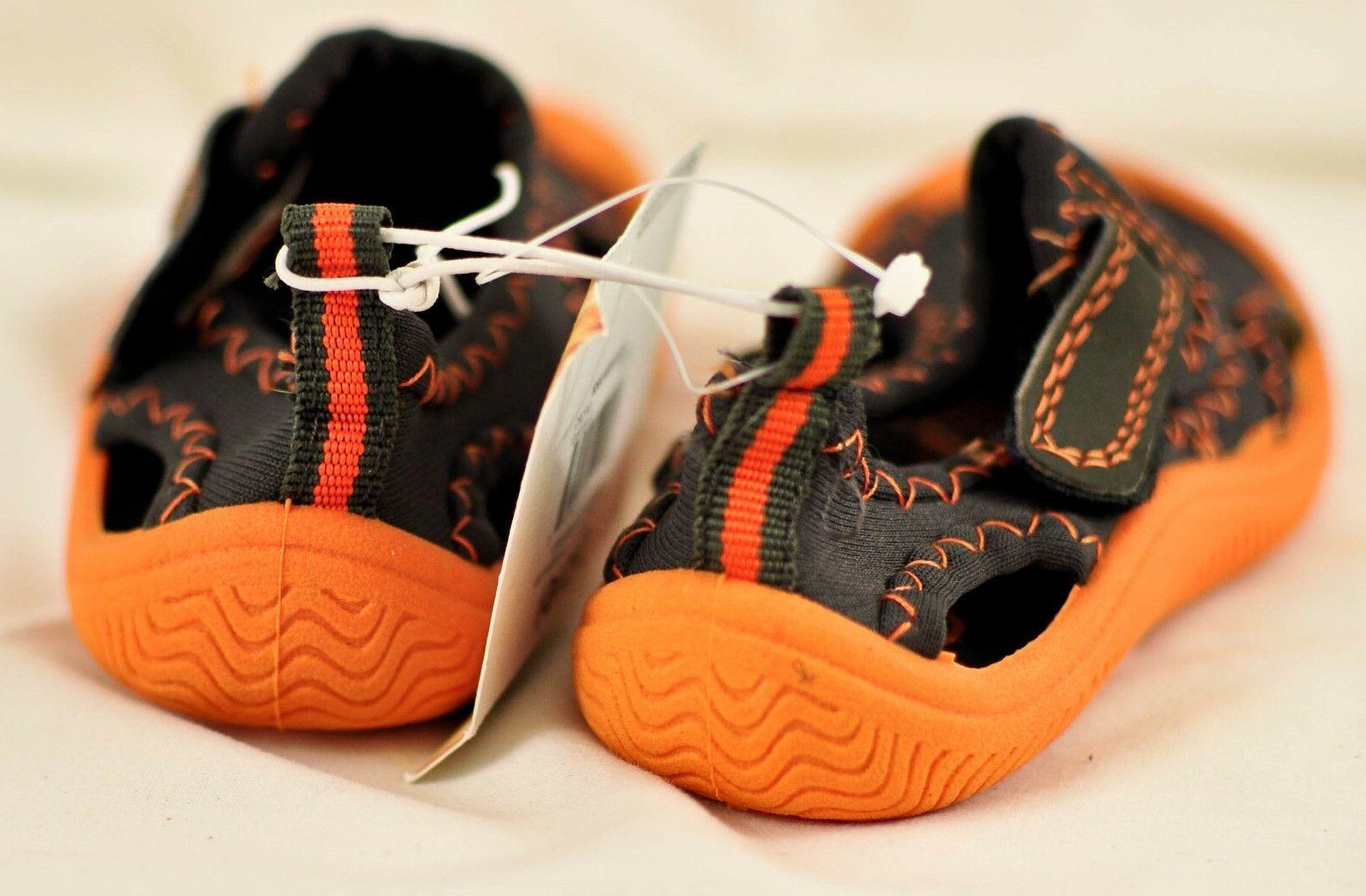 Boy's Op water shoes size orange