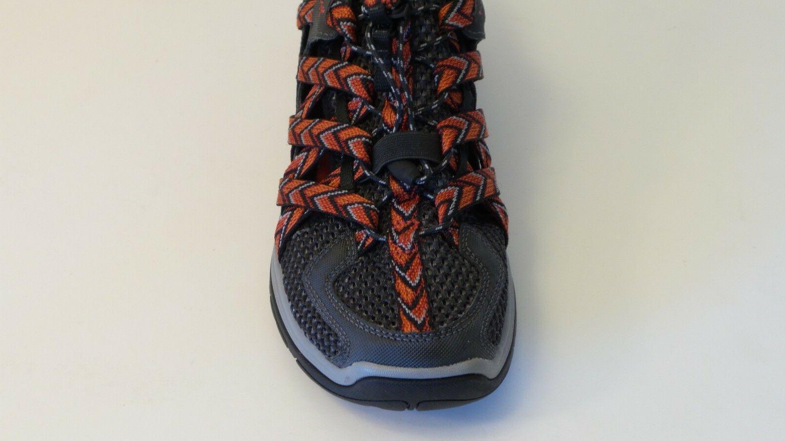 CM53 Trail Beach Shoes Men 9 Black & Red