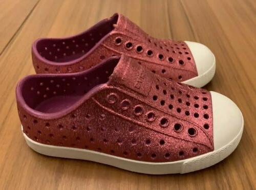NATIVE Jefferson Bling Sparkle Water Shoes C9