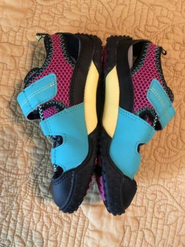 NWOB Tsukihoshi Shoes Girl 12 Beach Hiking