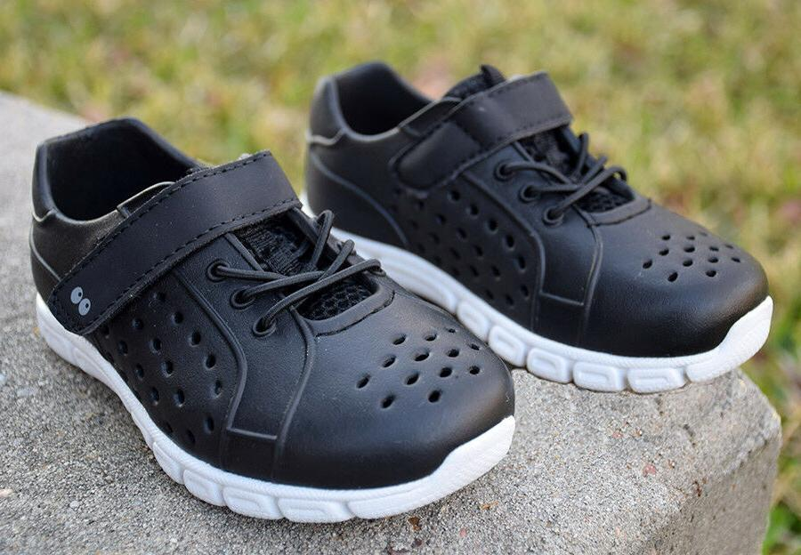 Surprize by 7 Land Shoes Black Sneakers