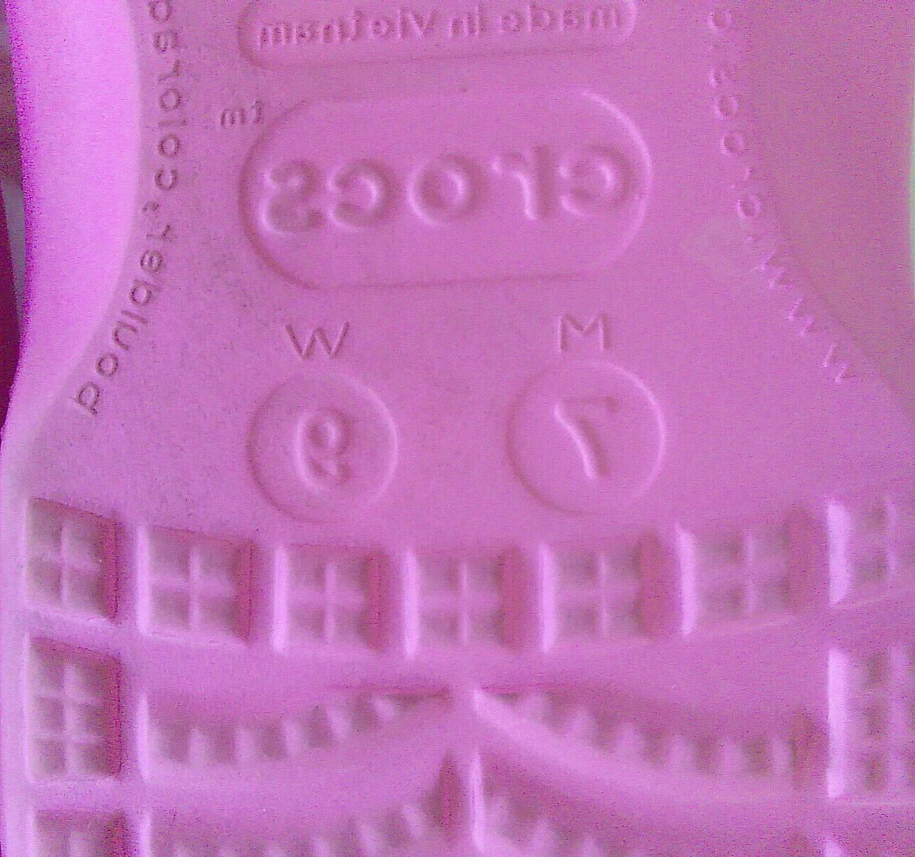 Women's Crocs Flop Sandals Or Water Shoes 9.