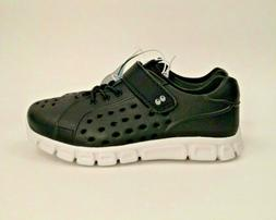 NWT Boys Size 10 Water Shoes Swim Summer Running Hiking Hook